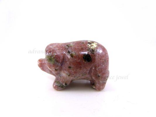 動物雕刻-豬-紅梅花